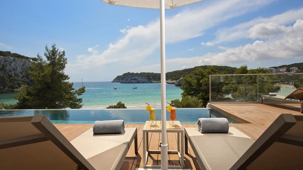 Menorca: Beauty and comfort in one single experience