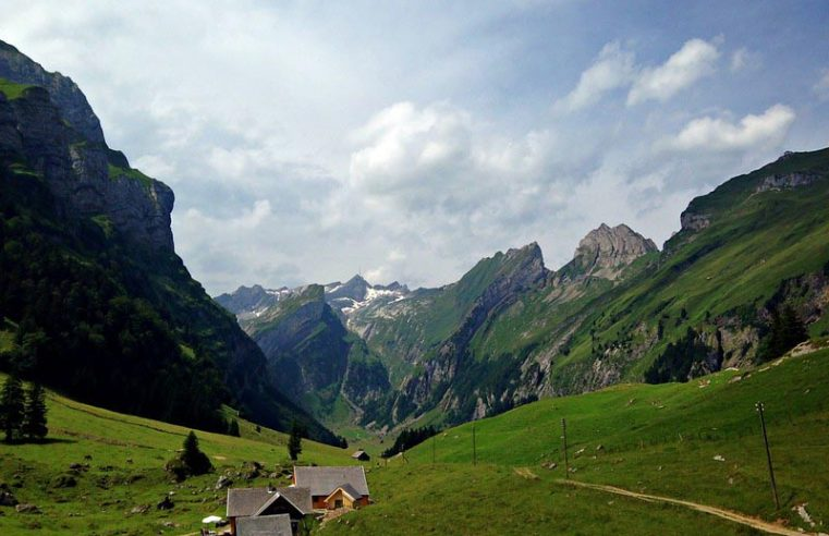 Choosing the best excursion destinations in Switzerland is not so difficult