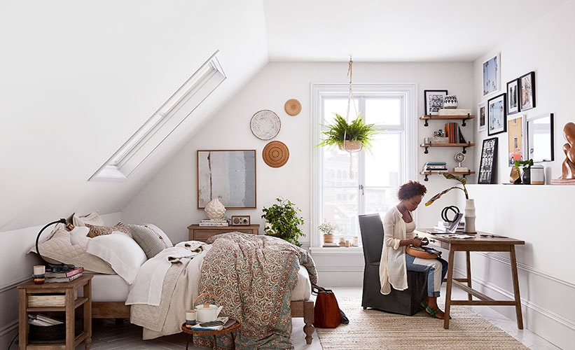 How to Arrange Bedroom Furniture in a Small Bedroom