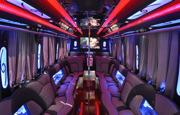 Few Tips for Renting a Party Bus