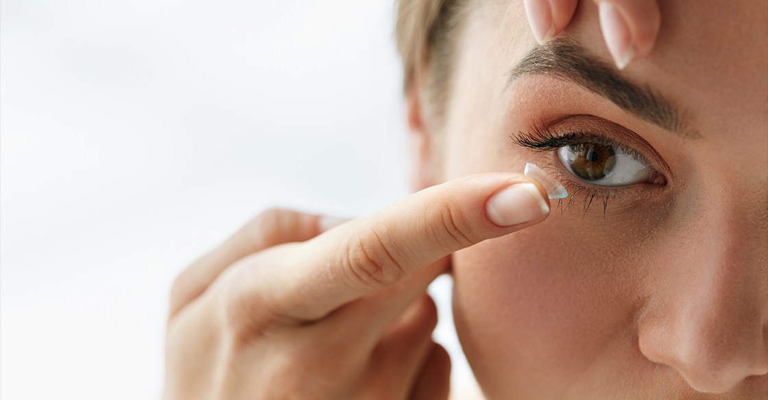 The Pros and Cons of Using Contact Lenses