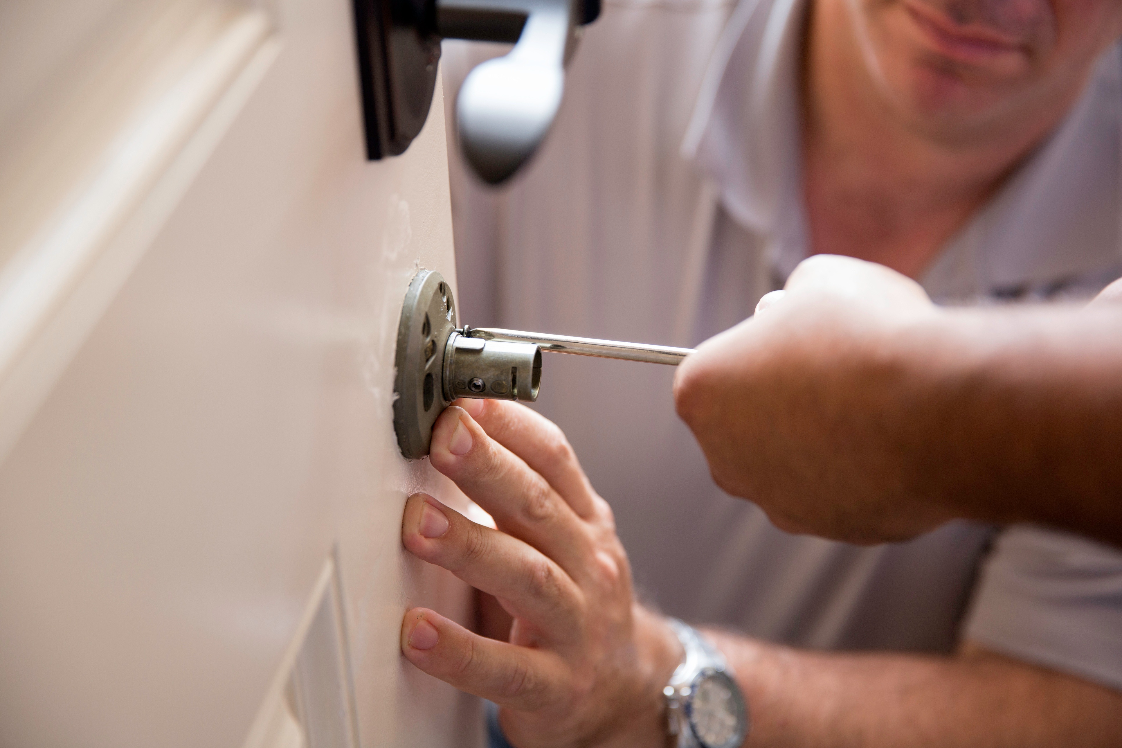 Different situations for hiring professional locksmith