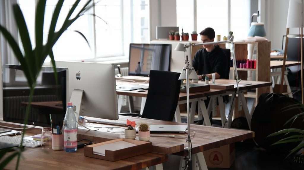 4 ways to maximise workspace in a small office