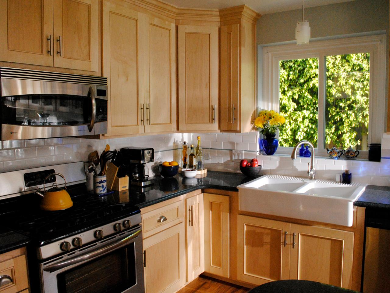 REFACING, REPAINTING, OR REPLACING – WHAT'S THE BEST CHOICE FOR YOUR KITCHEN CABINETS?