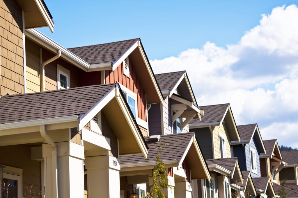 DIFFERENCES BETWEEN RESIDENTIAL AND COMMERCIAL ROOFS