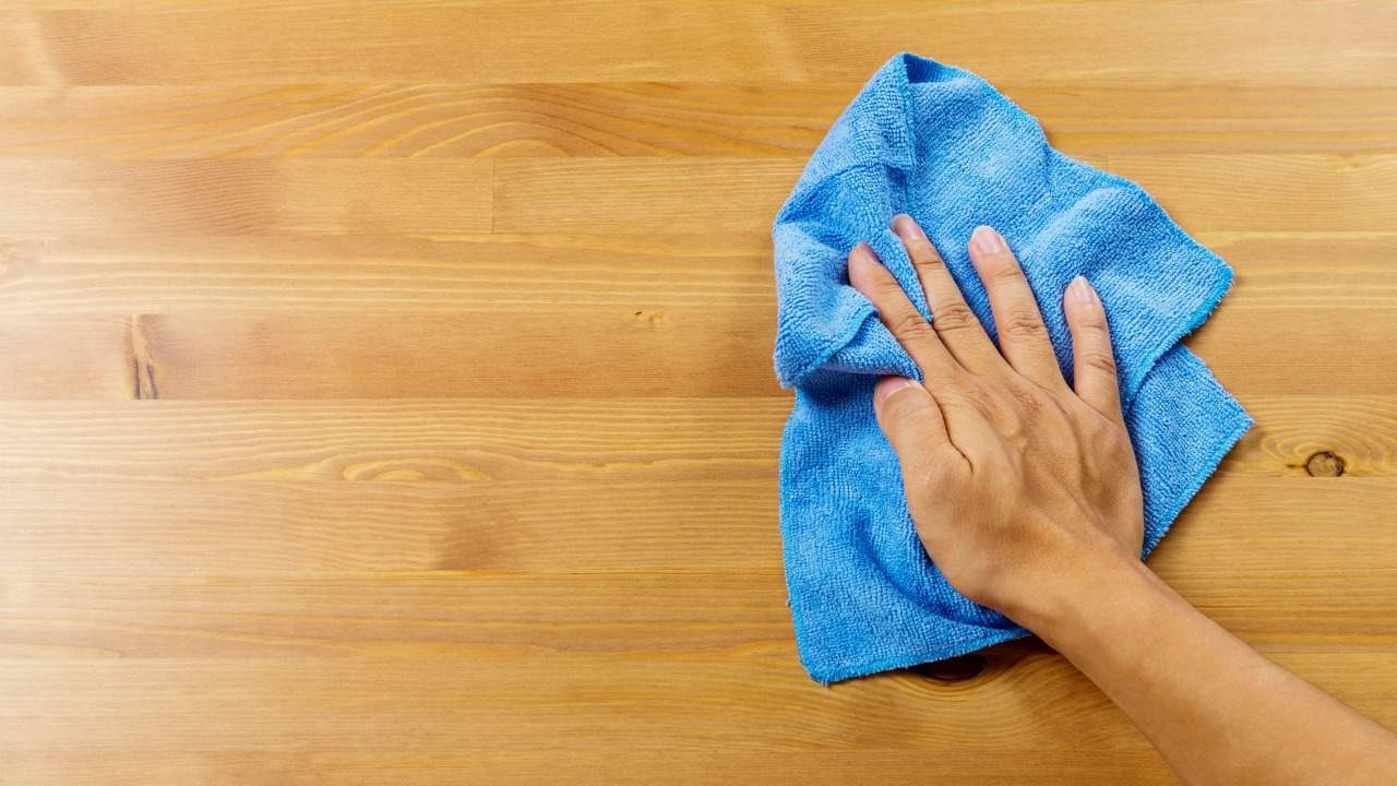 How to handle dust at work