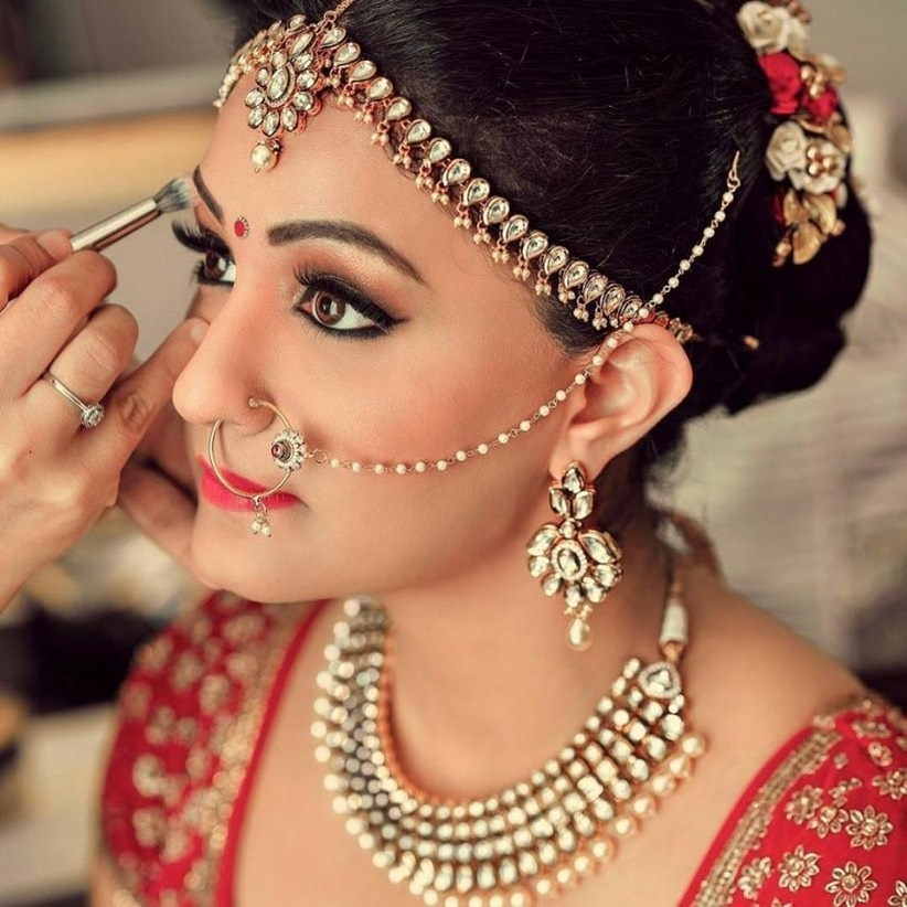 How To Create Perfect Bridal Makeup Look By Using Different Types Of Cosmetic Products