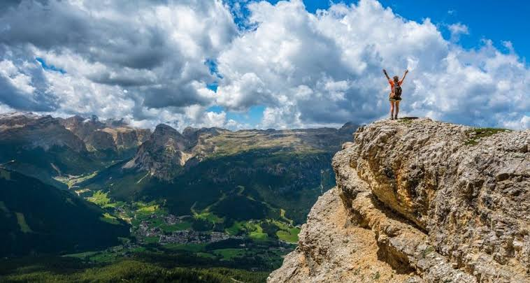 The Top 5 Hiking Trails in the Dolomites That Offer the Most Stunning Views