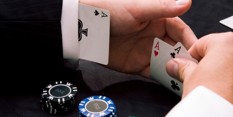 Cheating in Online Casino