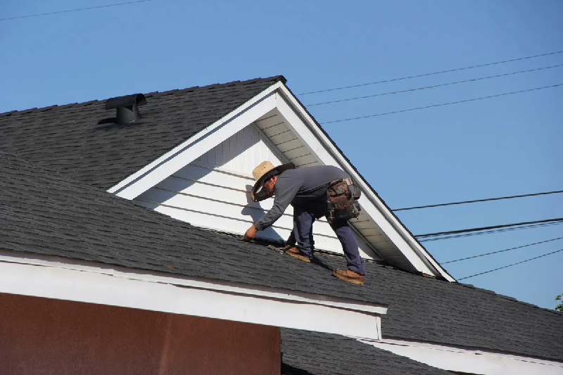 5 Things To Consider Before Hiring Roofing Contractor