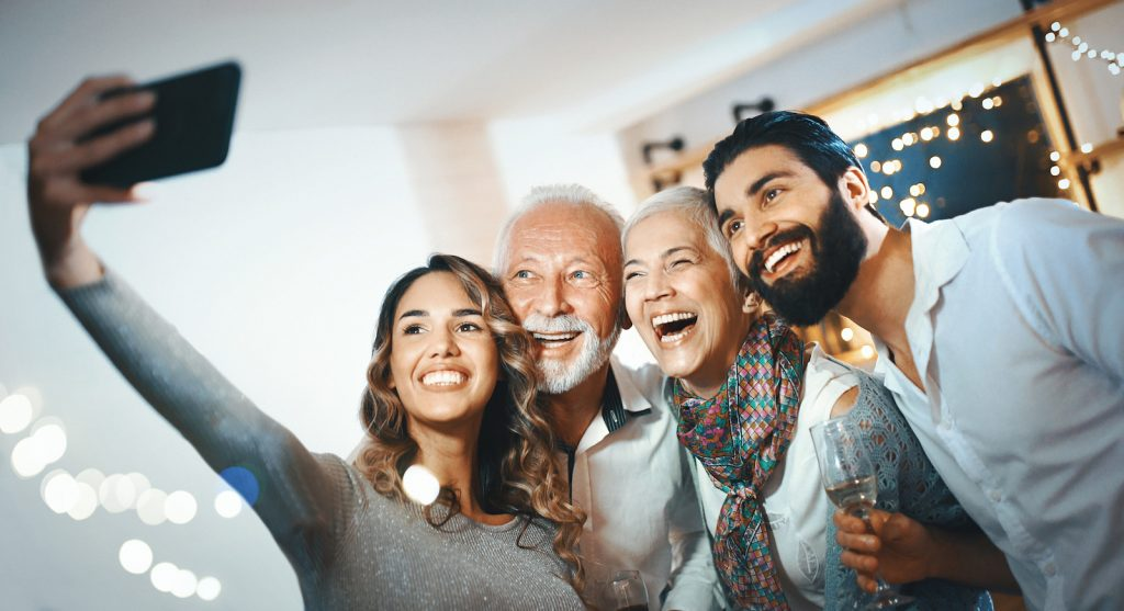Planning Your Next Family Reunion? Tips On Transporting Your Loved Ones