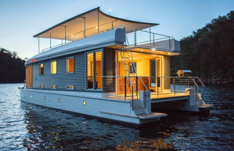 Love the Water? Maybe You Should Consider Living on a Houseboat