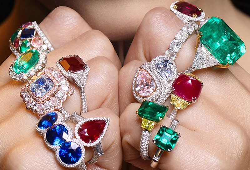 A Complete Guide to Buy Crystal Jewellery Online