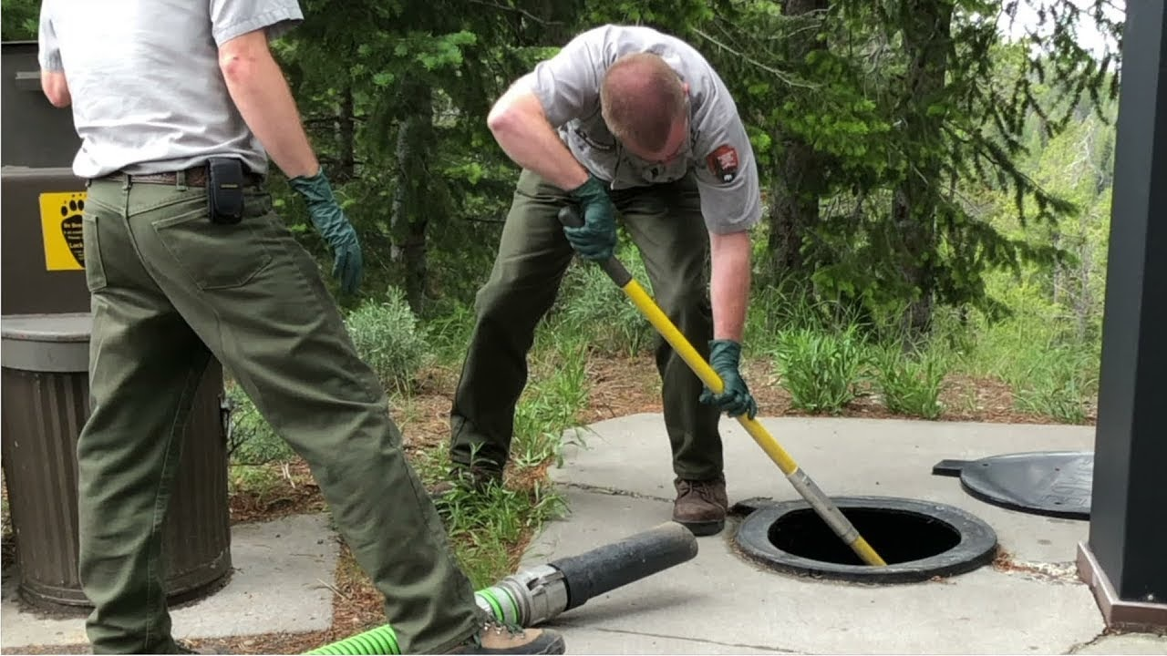 What do you know about septic tank cleaning and its life?