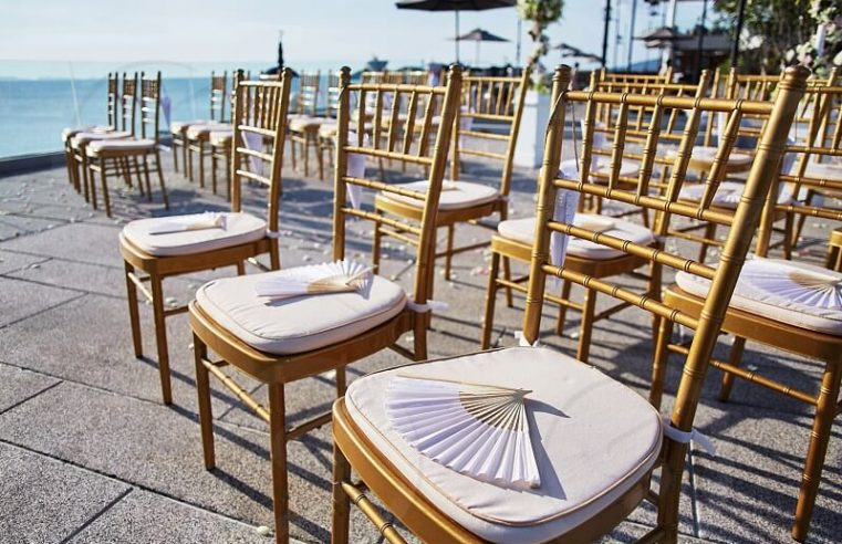 How to choose Chiavari chairs for a wedding?