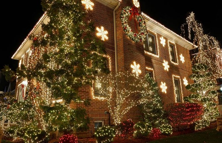 Discover the many benefits of having Christmas lights installed