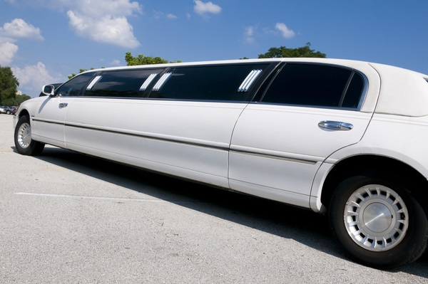 Factors to Consider When Using Any Limo Hire Services