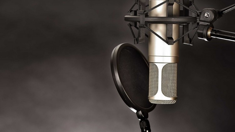 Easy Ways To Become A Voice-Over Artist