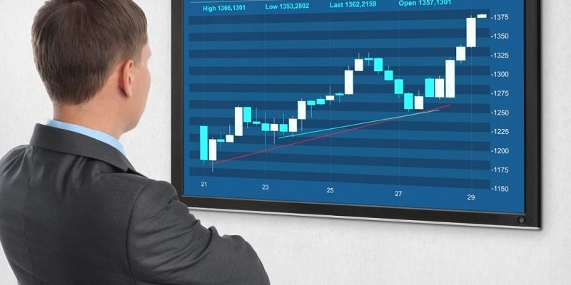 4 ADVANTAGES OF INVESTING IN STOCKS