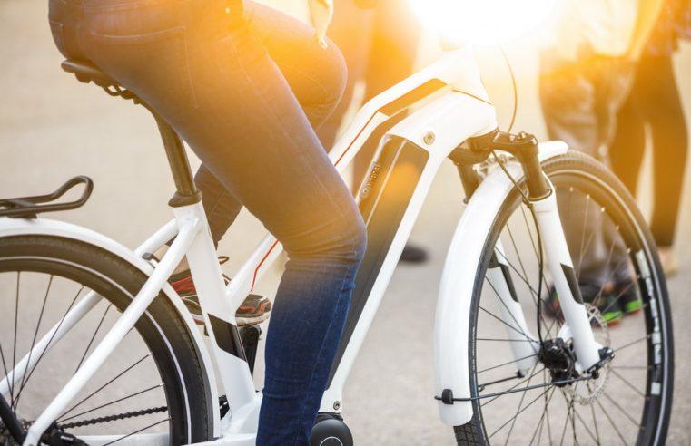 Folding Carbon Fiber e-Bike Perfect for City Dwellers