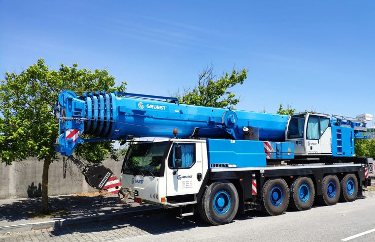 What Risks Are There In Working With Mobile Cranes?