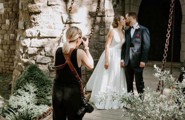3 Things to Consider when Looking for the New Castle Wedding Photographer for You