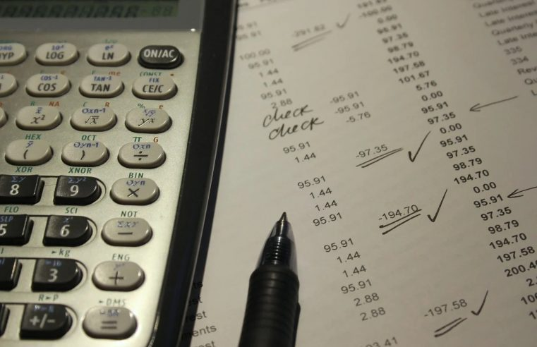 4 Tips to Manage Your Small Business' Finances
