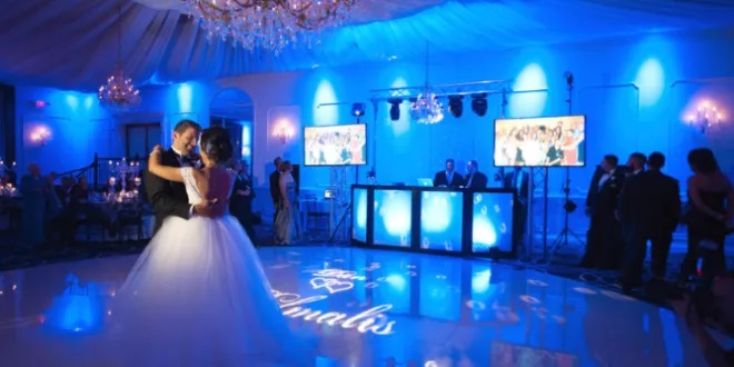 Hiring a wedding DJ – What to keep in mind?
