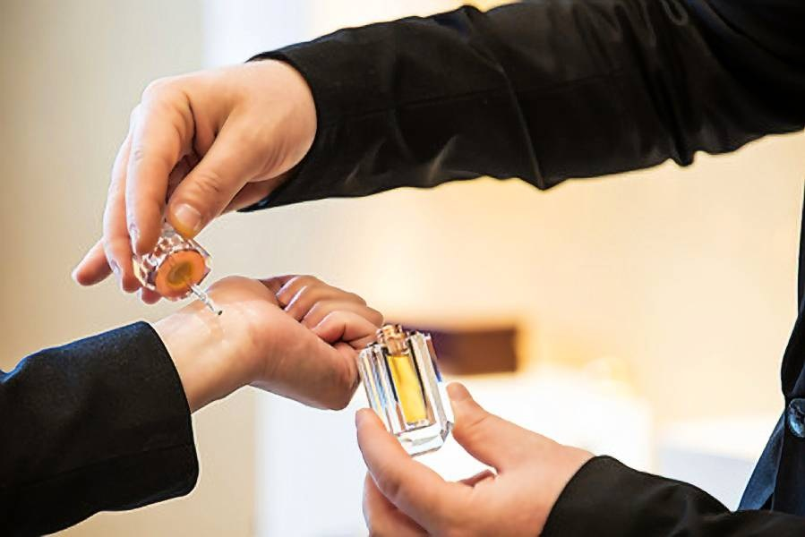 Reasons You Should Actually be Wearing Perfume Oil