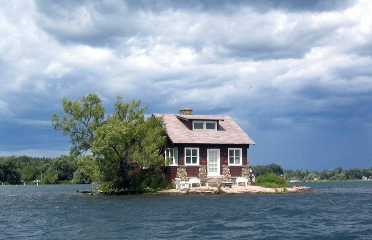 Things to Consider Before Buying Home on an Island