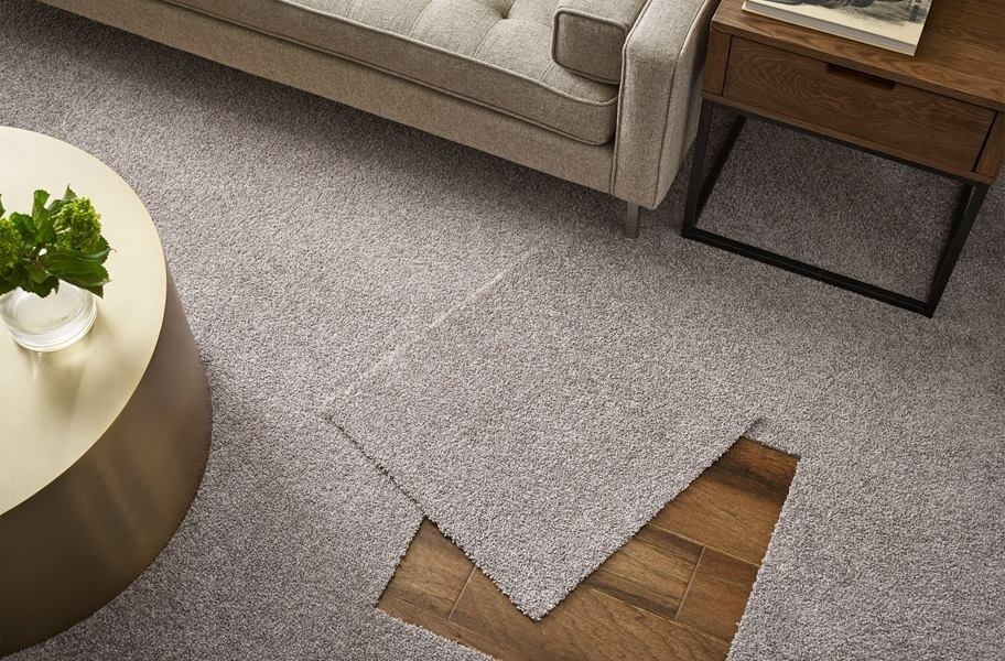 A comparison between Wall to wall Carpet and Carpet Tiles
