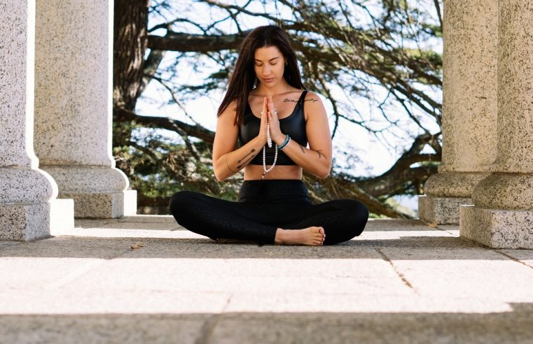 How to Wear Your Buddhist Meditation Beads