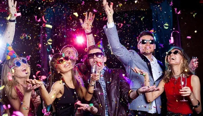 Beautiful New Year 2021 Party Celebration Ideas for Closed Friends & Couples: Make Your Moments Unforgettable