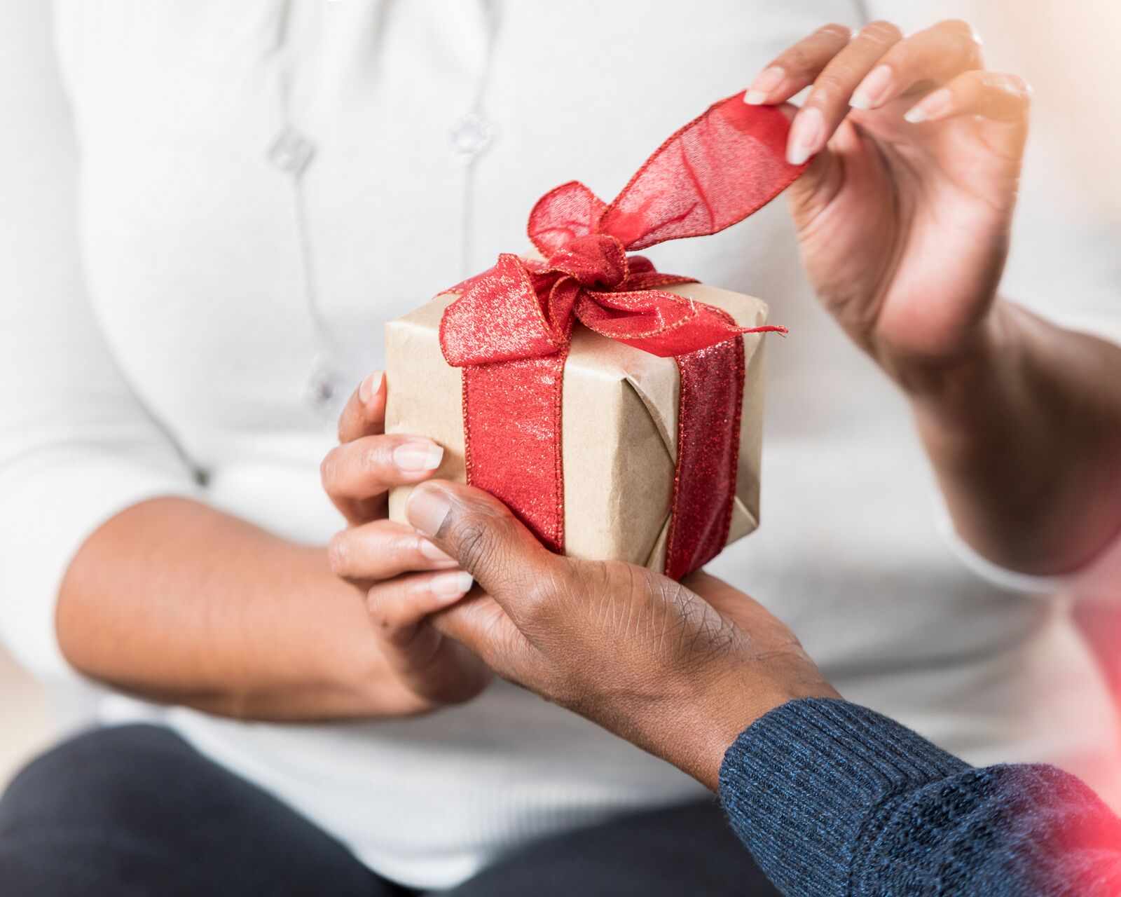 Discover the joys of giving personalized gifts