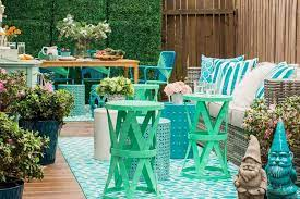9 Tips When Decorating a Patio Your Family Can Enjoy