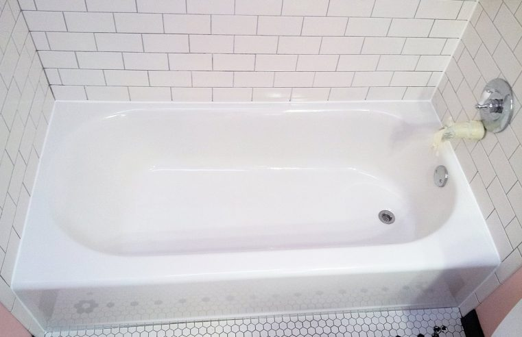 How much does it cost to professionally refinish a bathtub?