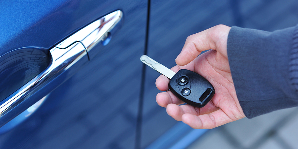Why Should You Look for Locksmith for Car Keys Replacement?