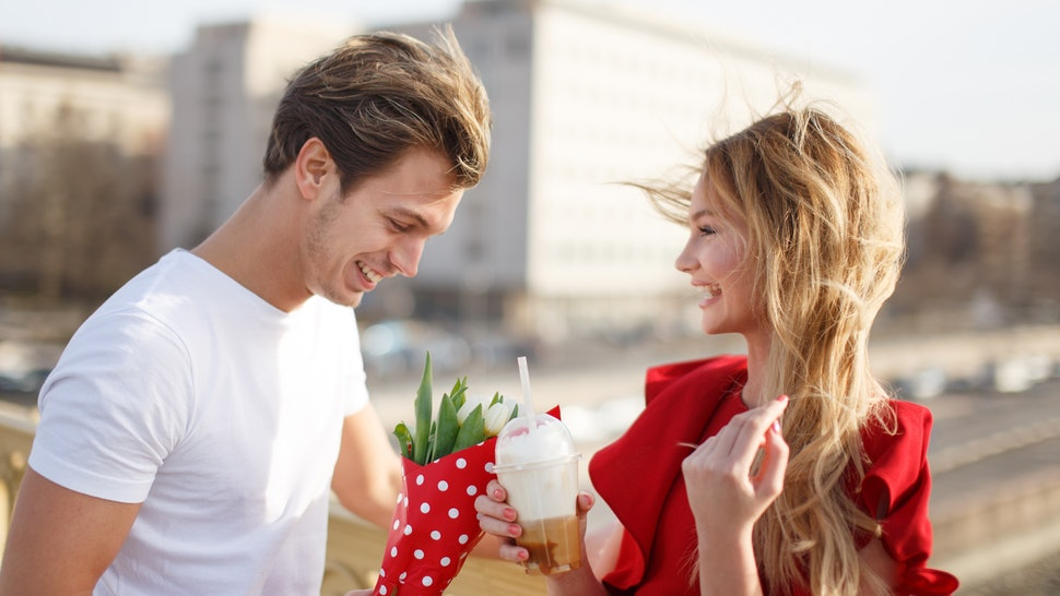 10 Charming Ways to Impress Her on the First Date