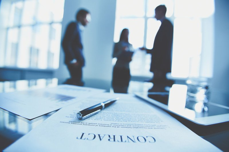 What is a Corporate Lawyer, and Do I Need One?