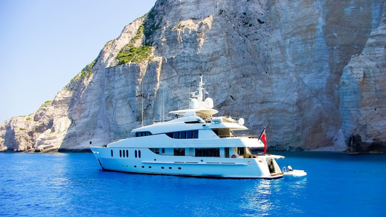 Luxurious and unforgettable events: opt for yachts rental in Greece