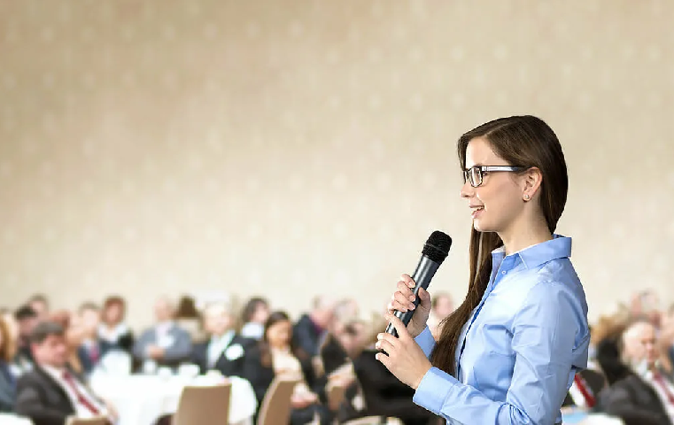 Five Mind-Blowing Benefits of Public Speaking