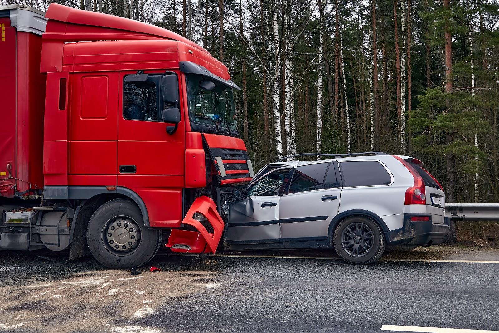 Four Ways to Ensure You Get the Compensation You Deserve for Your Semi-Truck Accident Injuries