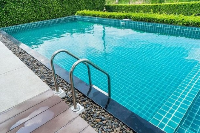 Why Is Professional Swimming Pool Repair Service Essential?