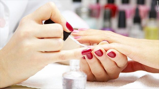 The perfect hue: 3 tips for choosing the right nail polish for you