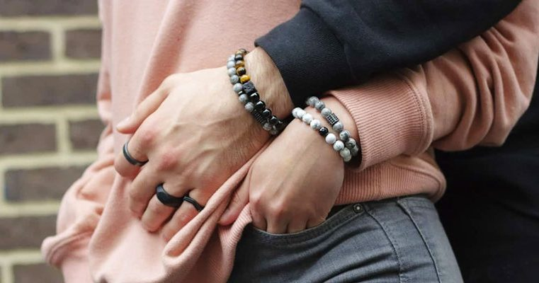 Why wear a bracelet for couples for show your love ?