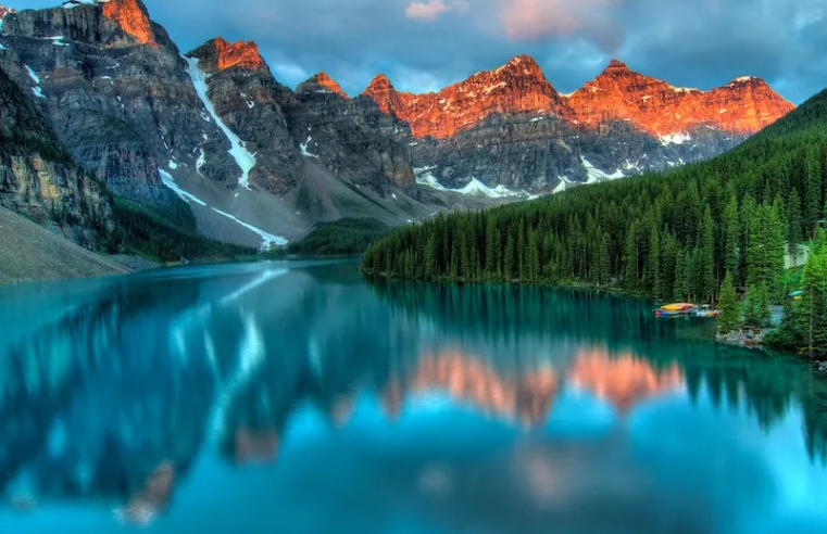 Why travel to Canada? 5 best reasons to visit it?