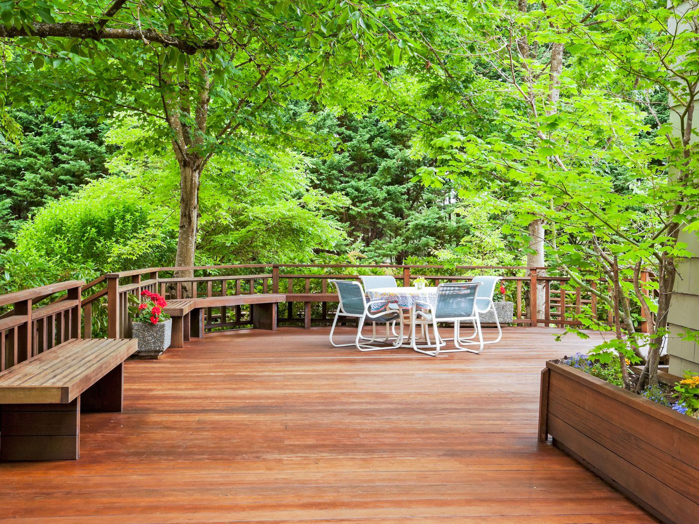 How to Restore a Deck?