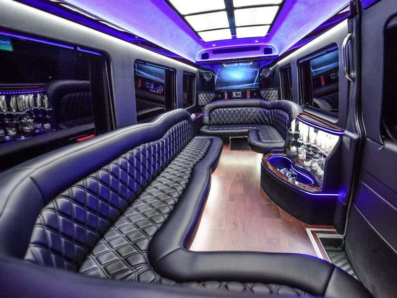 About Renting Toronto Party Bus And Services
